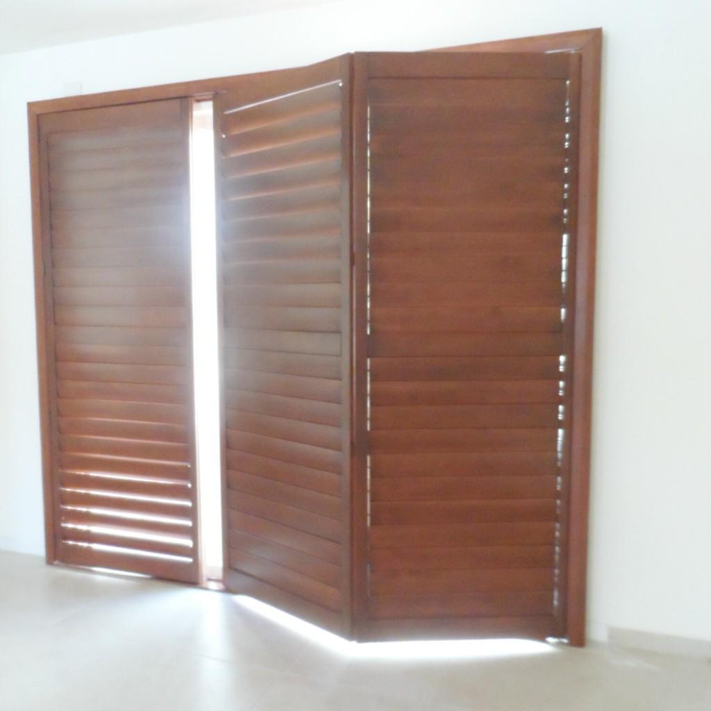 Puertas de madera para jardin fotos de puertas de madera for Puertas de jardin de madera